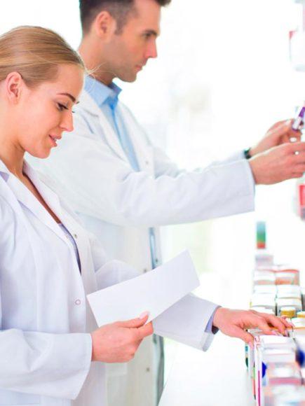 Auxiliar de Farmacia + Auxiliar de Óptica (Con Certificación Universitaria Internacional y Reconocimiento de 30 ECTS)