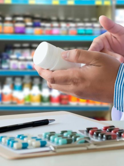 Máster en Elaboración de Fórmulas Magistrales para Farmacia (Con Certificación Universitaria Internacional y Reconocimiento de 30 ECTS)